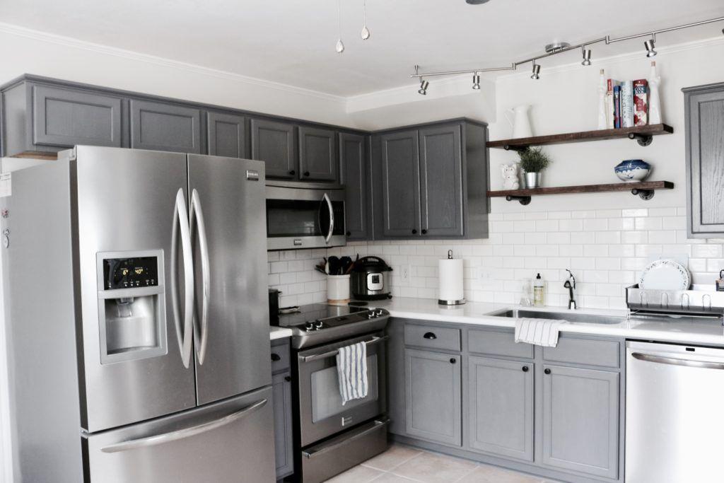 Awesome 65 Modern Farmhouse Kitchen Cabinet Makeover Ideas Https Domakeover Com 65 Modern Farmhouse Grey Kitchen Designs New Kitchen Cabinets Kitchen Design