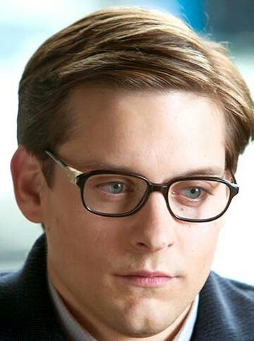 Nerdy Peter Parker Tobey Maguire Actors Personajes Ficticios Arana De Spiderman