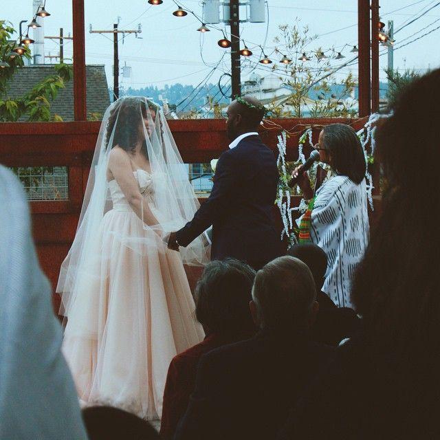 Gorgeous bride @eulalurene in her custom circle veil in 'blush' colour // #BynoeWedding2015