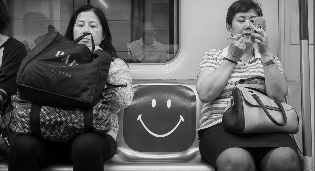 HKFP Lens: Miguelitor's candid Hong Kong street photography https://t.co/Da8WMe04dy https://t.co/YpVrn3adQ4