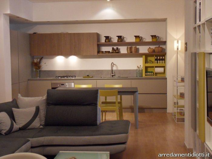Open space composto da cucina soggiorno e divano - DIOTTI A&F ...