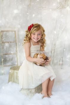 indoor winter wonderland photo session | Photo set ups & mini session ideas