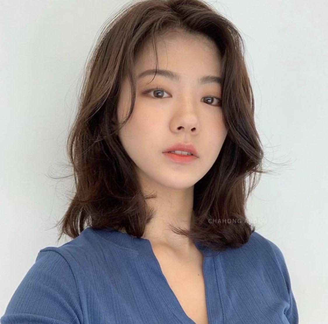 Pin By Babs1e On Wlosy Asian Short Hair Korean Short Hair Medium Hair Round Face