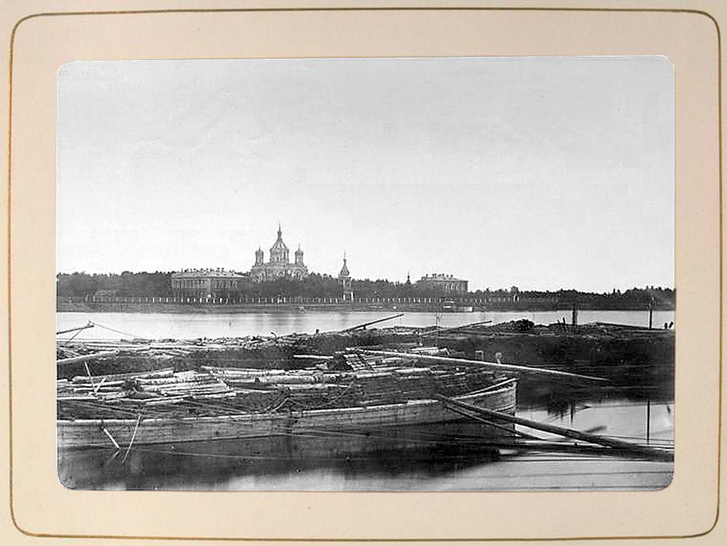 Яндекс.Фотки Александро - Невская Лавра в СанктПетербурге фото1874 год Вид монастыря из за Невы.