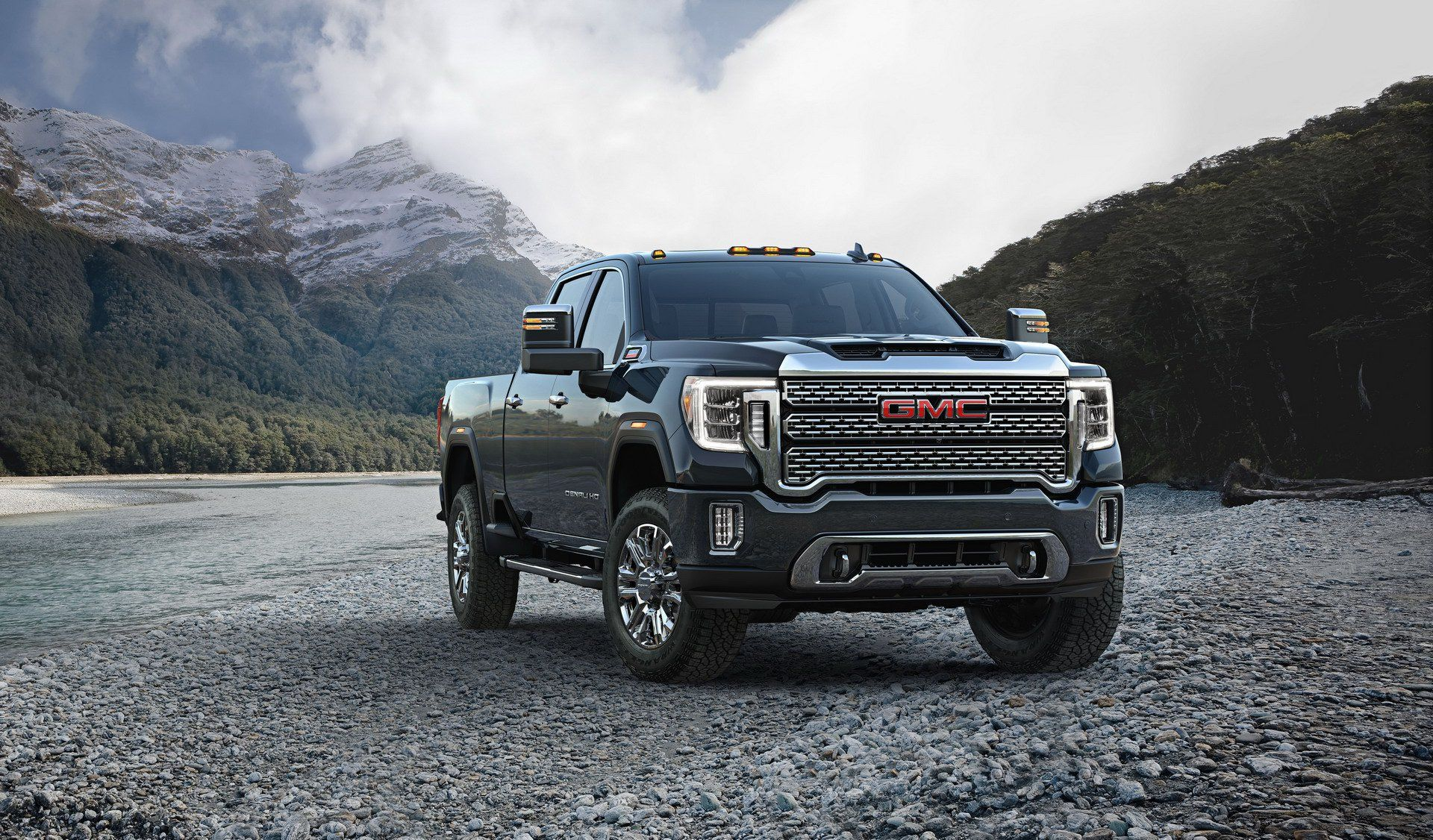 2020 Gmc Sierra Hd Has Brains Brawn And 15 Cameras That Let You