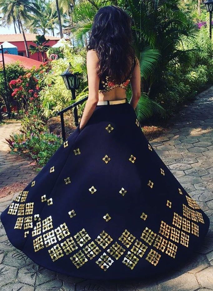 809a6e7f00 Pinterest: @pawank90 | crop top and skirt | Indian dresses, Indian ...