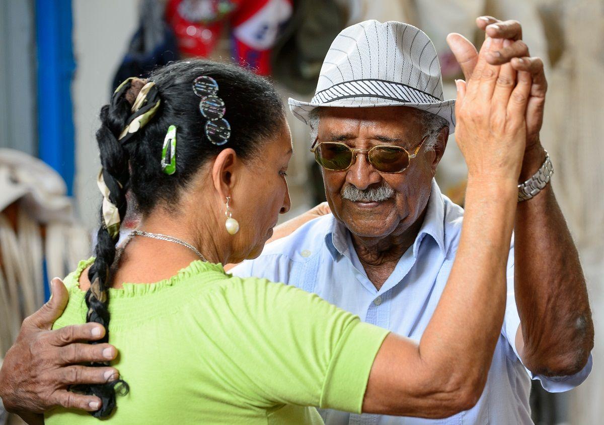 Cuba es cuna innata de baile y música. Mover el cuerpo se nos da bien (a la mayoría). Nadie de duda de la sabrosura que llevamos en las caderas.
