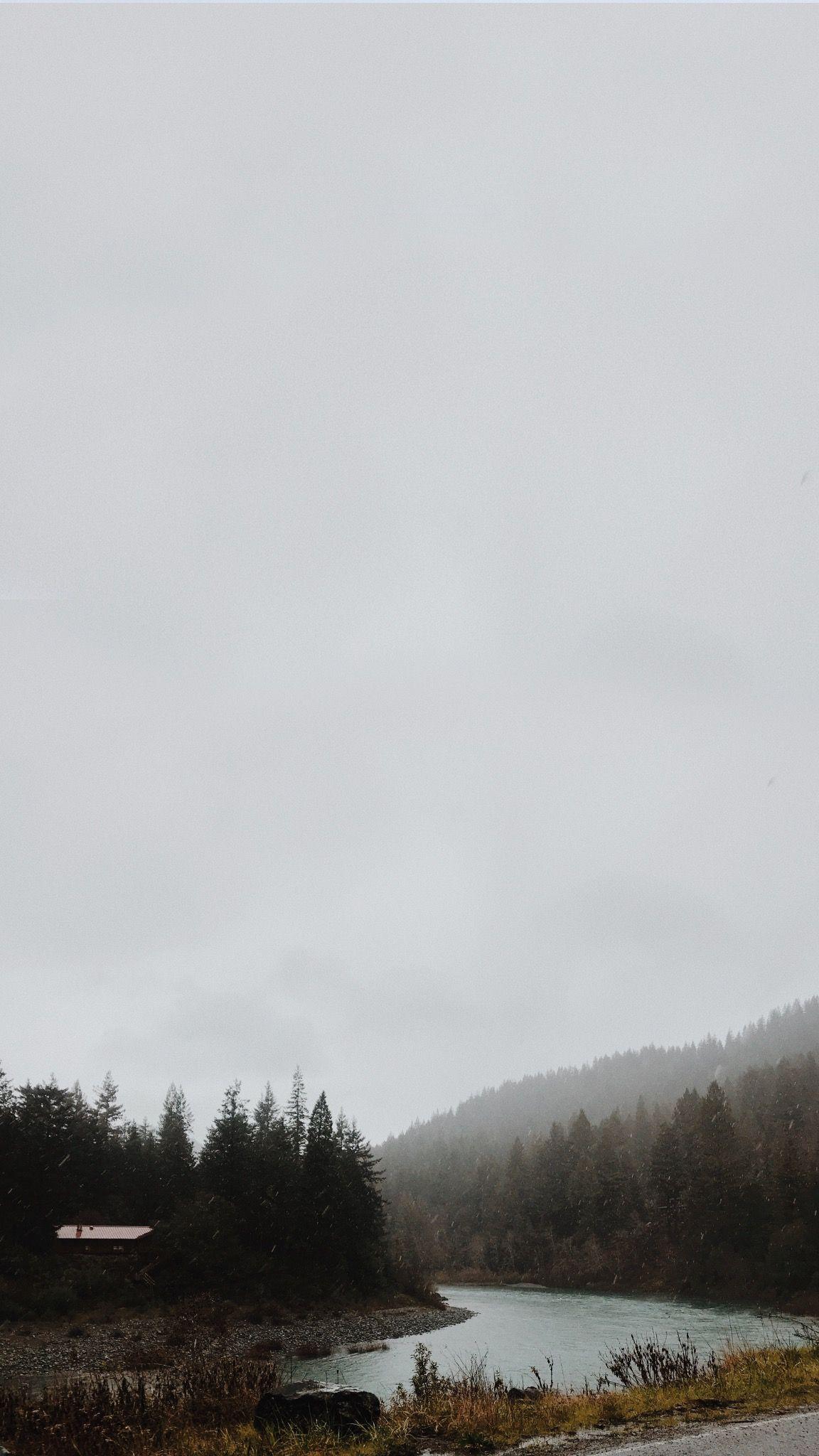 Rustic Mountain Cabin Lock Screen Home Screen Wallpaper