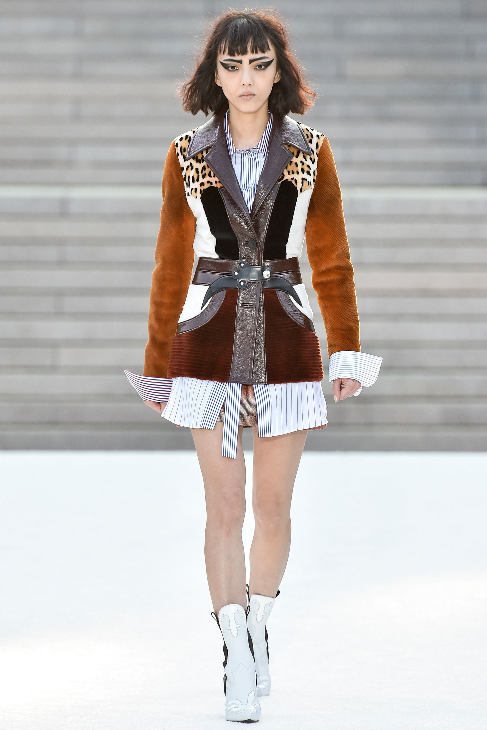 Fashion style Vuitton louis resort collection for woman