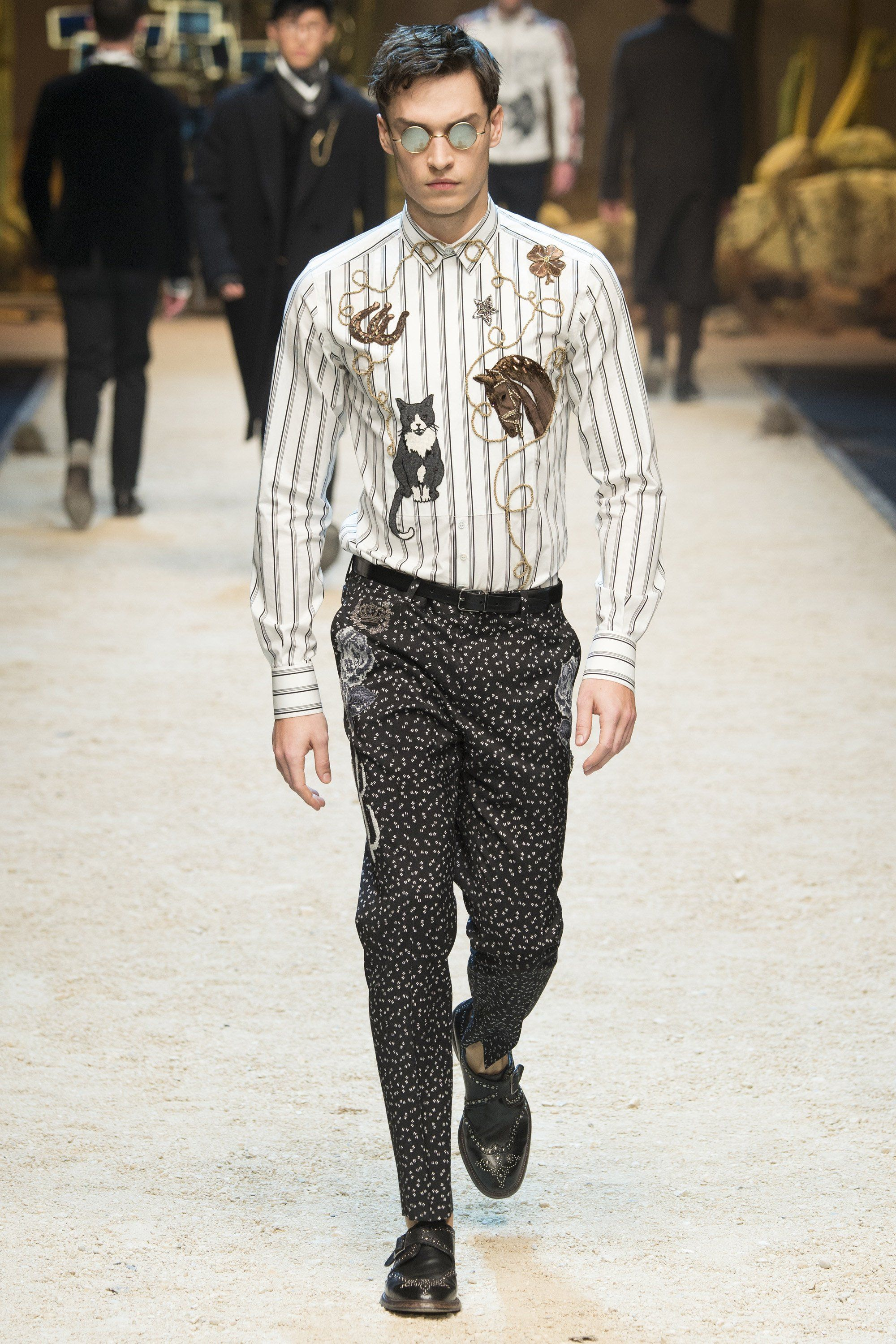 Who's going to be the first to rock this Dolce & Gabbana look under a Grand Prix VIP tent?