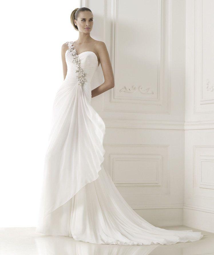 BELSY » Wedding Dresses » 2015 Fashion Collection » Pronovias