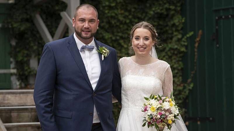 Hochzeit Auf Den Ersten Blick Ist Melissa Schwanger Hochzeit Auf Den Ersten Blick Hochzeit Kleid Hochzeit