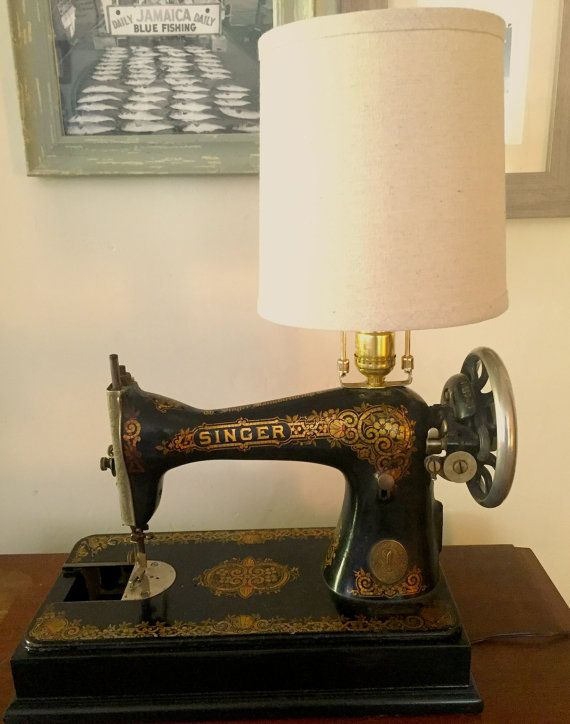 Antique Singer Sewing Machine Lamp Etsy Sewing Machine Old Sewing Machines Antique Sewing Machines