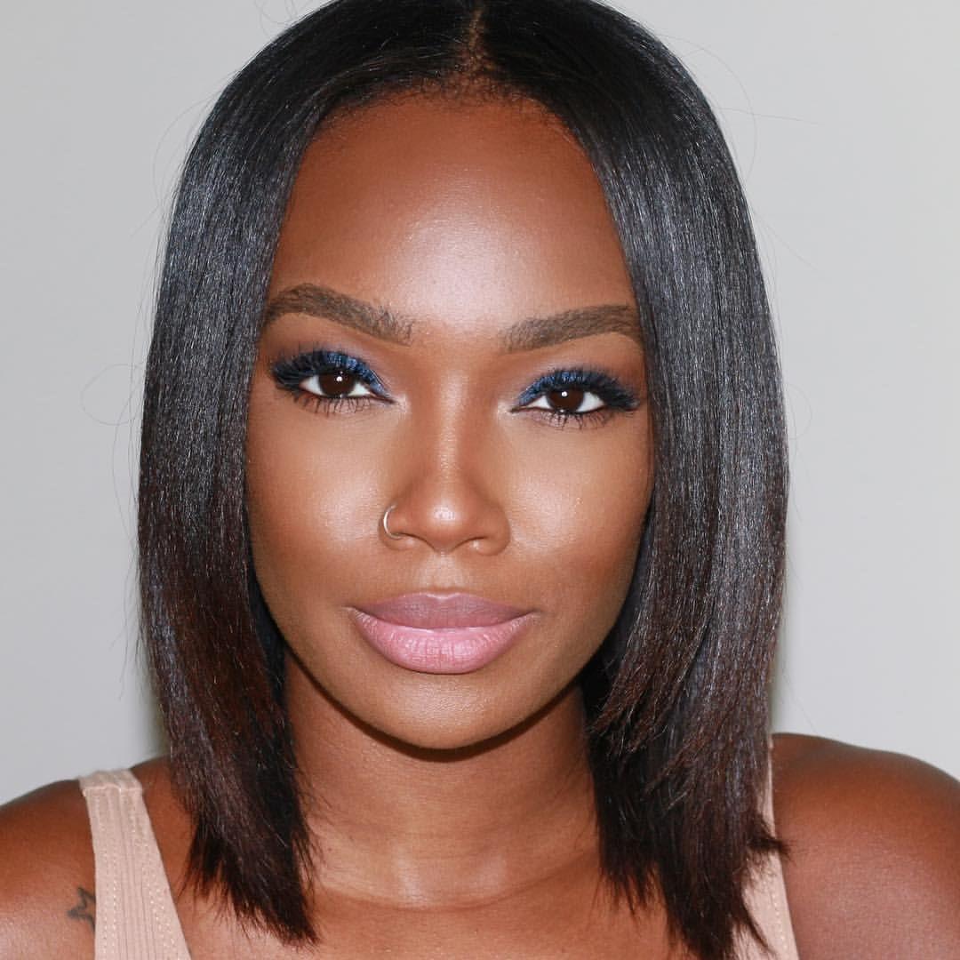 Epingle Par Petiteglam Sur Makeup Girl Avec Images Coiffure Afro Cheveux Courts Coiffure Courte Coiffure Afro