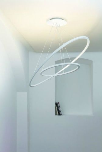 10 Pendant Lamps To A Vintage Hotel Hallway