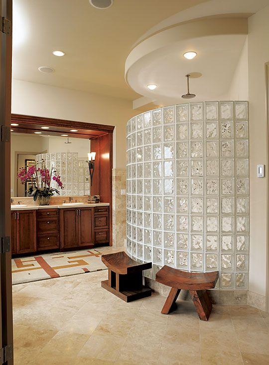paroi de douche arrondie en briques de verre salle de bains pinterest salle de bain. Black Bedroom Furniture Sets. Home Design Ideas