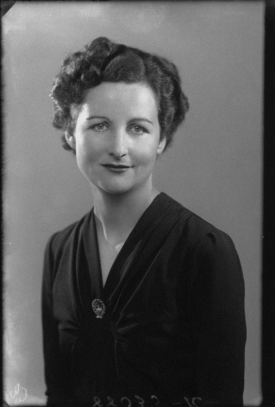 Nancy Mitford By Bassano 14 Sept 1941 Npg Mitford