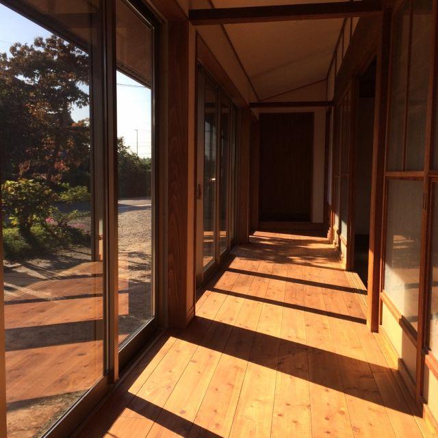 壁 天井 無垢材 梁 庭 窓 などのインテリア実例 2015 10 25 21 01
