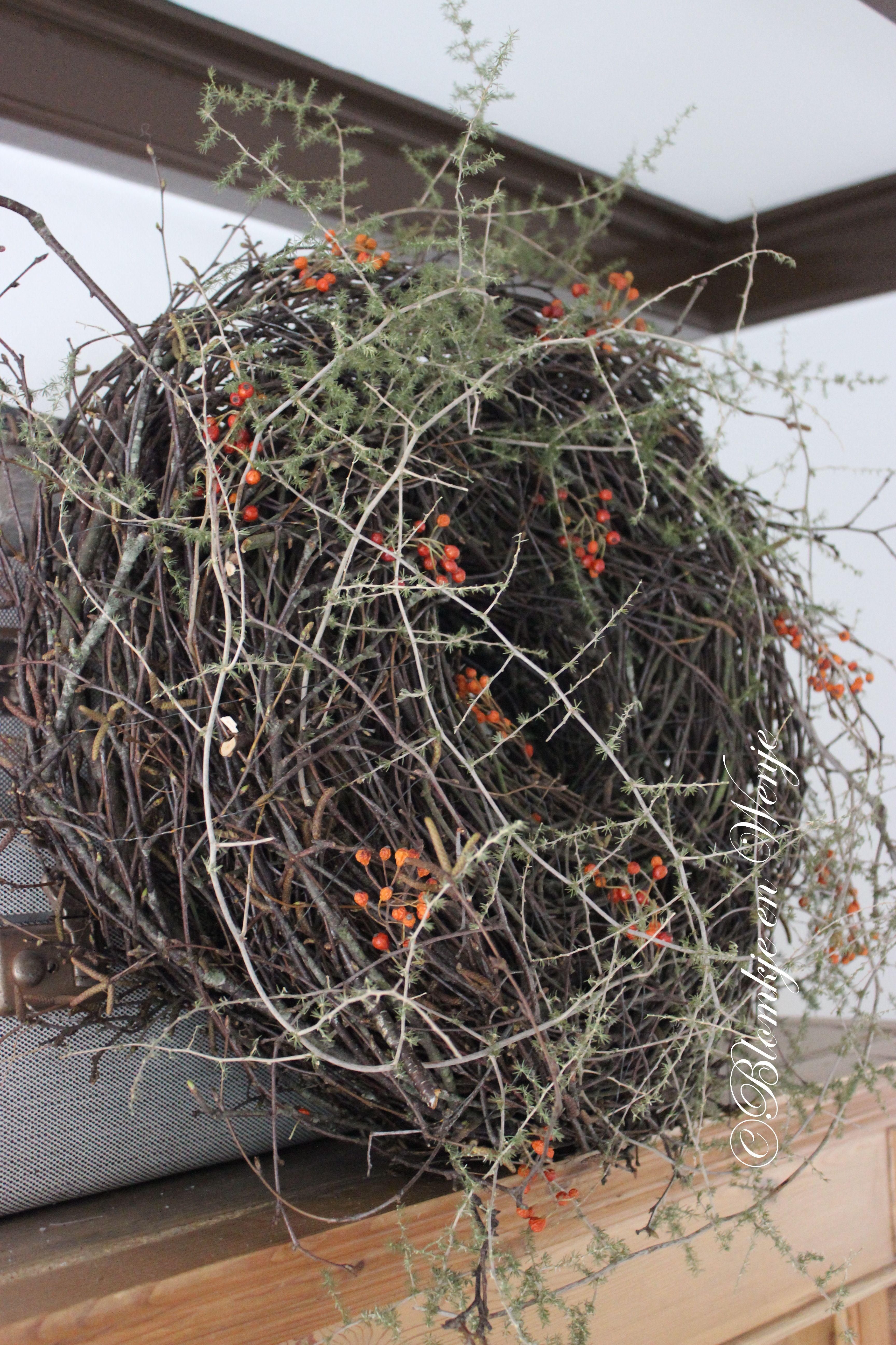 wreath krans corona kranz asparagus blomkje en wenje stoer sober landelijk wreaths wreaths. Black Bedroom Furniture Sets. Home Design Ideas