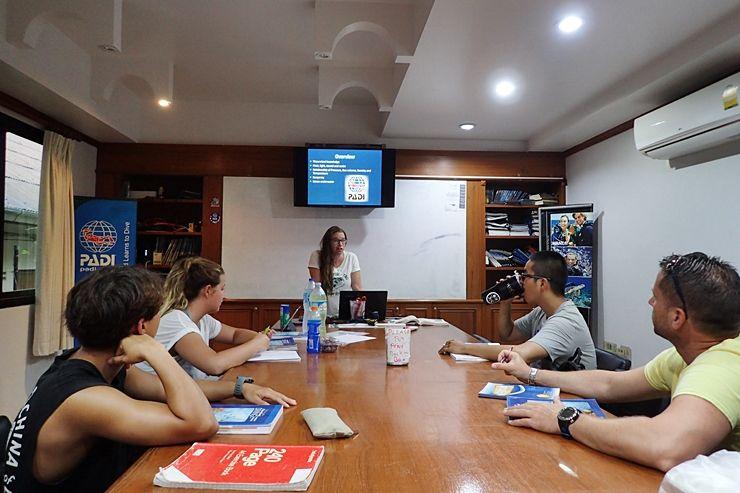 PADI Instructor Course (มีรูปภาพ)
