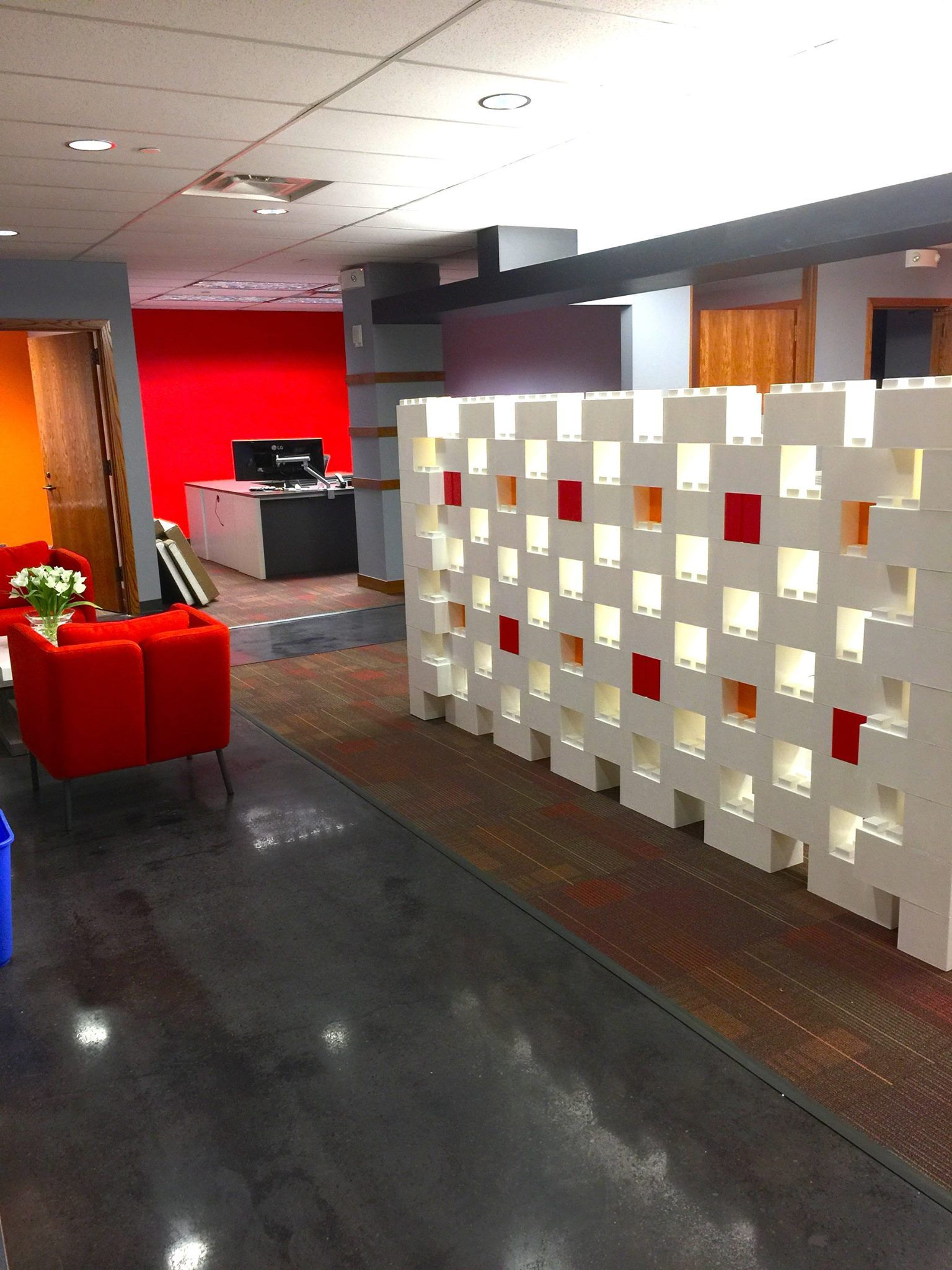 Modular walls and room dividers made from modular building blocks