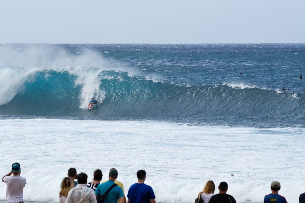 039a812451 Surfing Pipeline   North Shore Oahu  surf  surfing  Hawaii