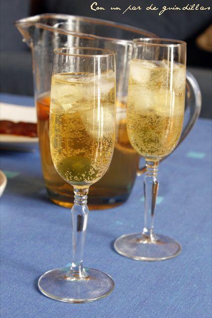 Cóctel de champán (o cava)   Con un par de guindillas   Gastronomía, viajes, salud y nutrición