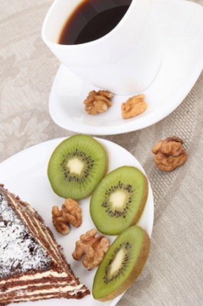 Torta al #kiwi e #noci