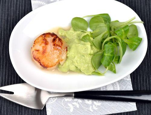 Grillade Pilgrimsmusslor Med Guacamole Recept Recipes Appetizers