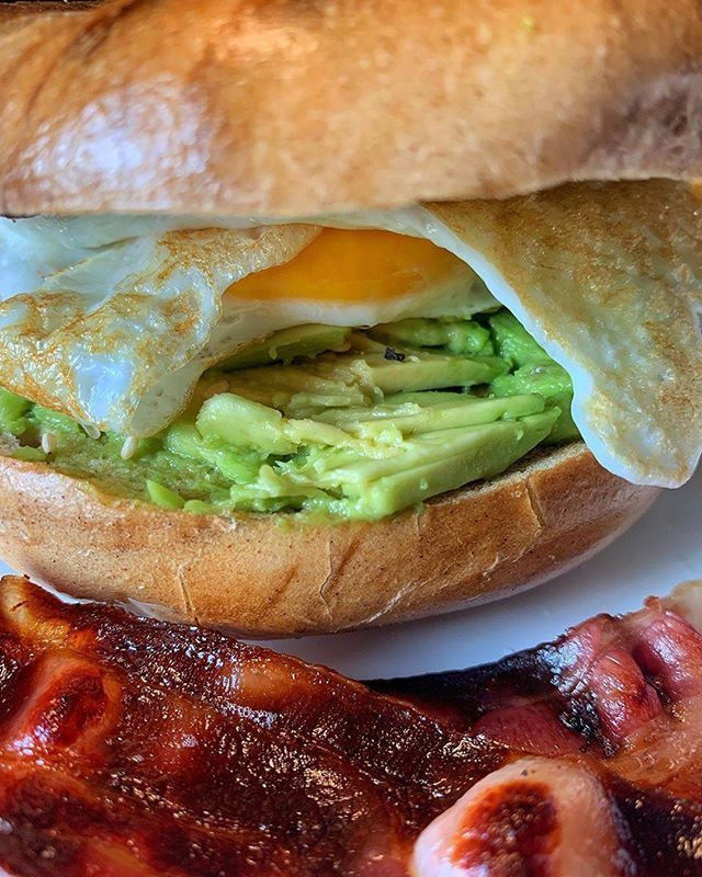 Bagel with Avocado Bacon amp; a Fried Egg mavporu
