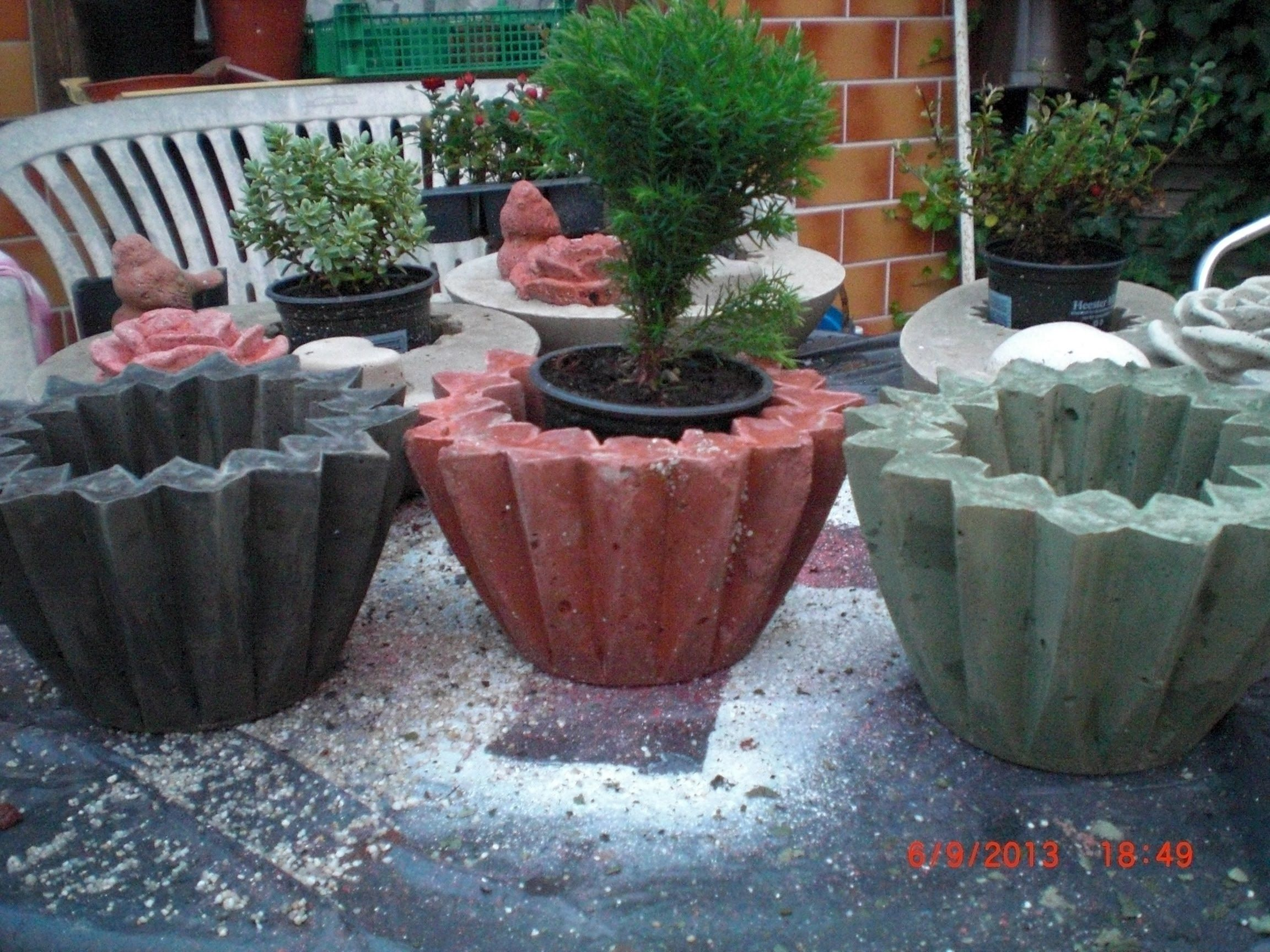 beton giessen beton einf rben mit farbpigmenten beton pinterest beton gie en beton. Black Bedroom Furniture Sets. Home Design Ideas