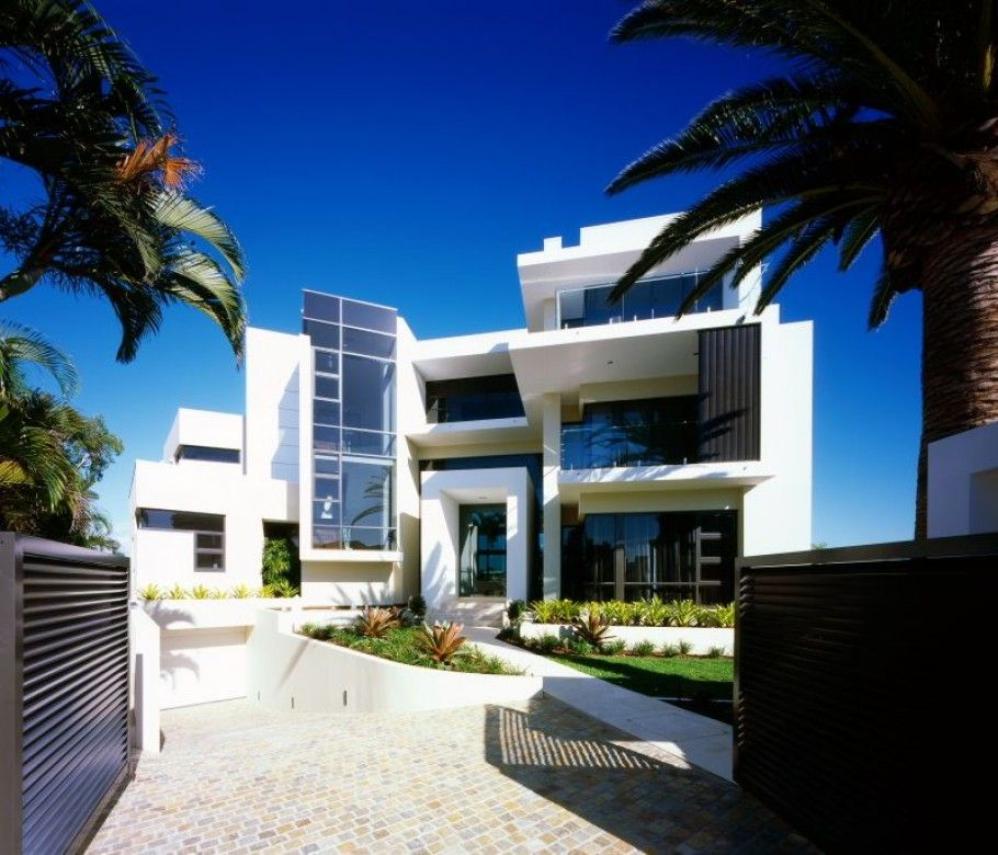 Beautiful mansions in the world paradise queensland for Most modern house in the world