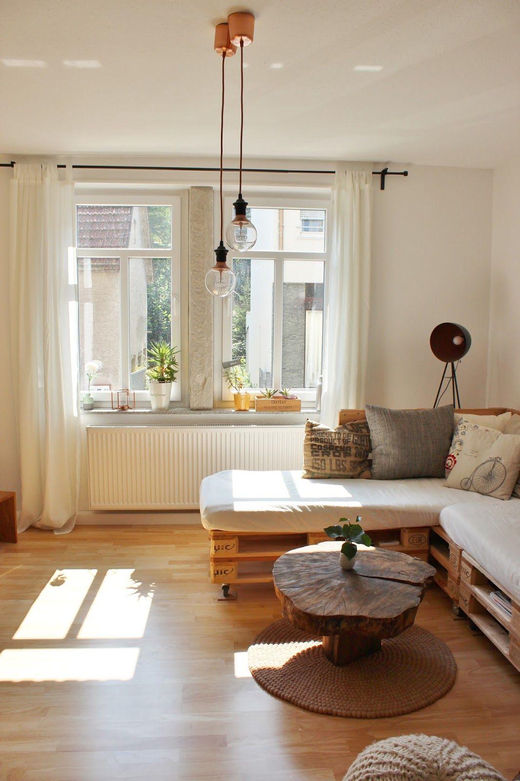 Roomtour: unser Wohnzimmer   Paletten couch, Palettencouch ...