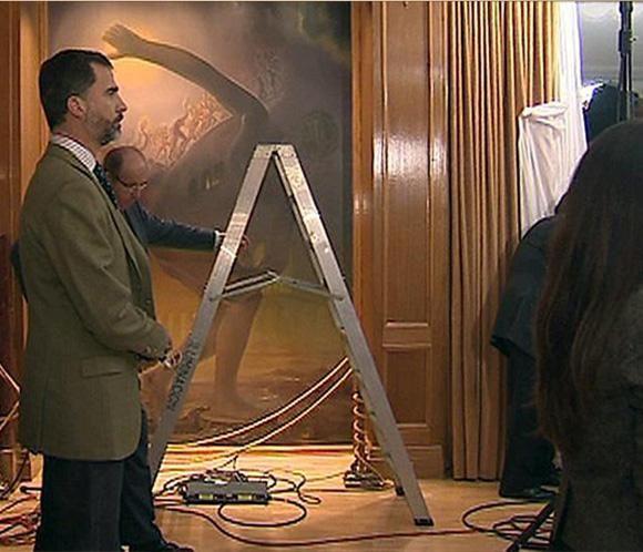 El príncipe Felipe, testigo tras las cámaras del mensaje de Navidad del Rey #realeza #casareal #royals