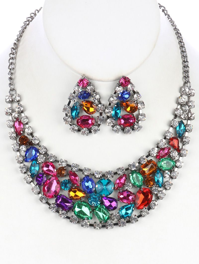 SIZE 24 INCH LONG COLOR Multi Color  DESCRIPTION NECKLACE AND EARRING SET COLOR GLASS STONE CLUSTER BIB METAL SETTING LINK CHAIN POST PIN 24 INCH LONG 1 3/4 INCH DROP NICKEL AND LEAD COMPLIANT