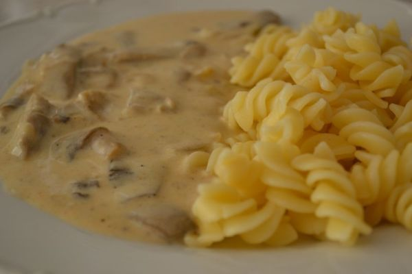 Fotorecept: Hlivový perkelt (paprikáš) - Recept pre každého kuchára, množstvo receptov pre pečenie a varenie. Recepty pre chutný život. Slovenské jedlá a medzinárodná kuchyňa