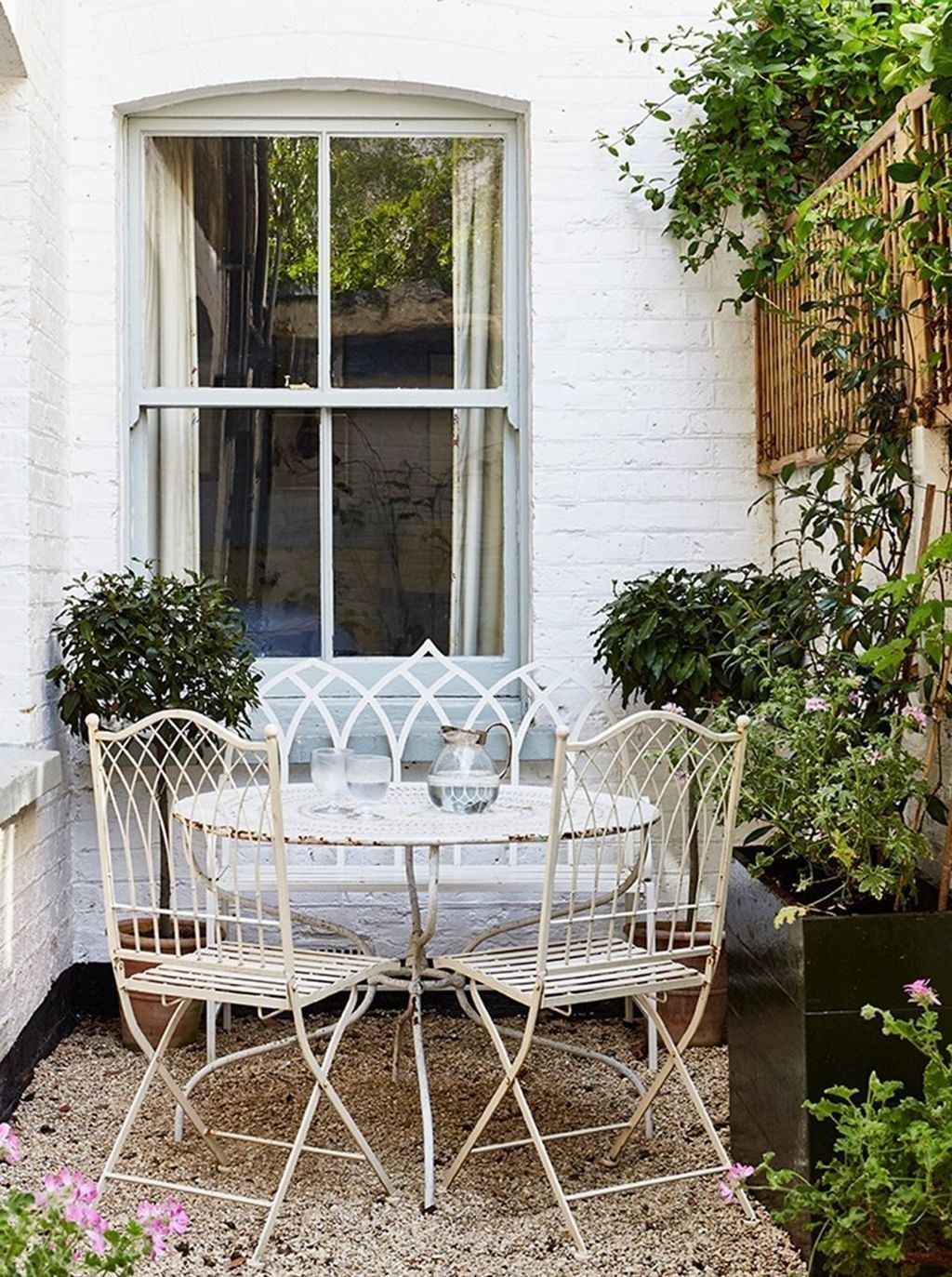 Gorgeous Patio Garden Furniture Ideas 32 In 2020 Small Cottage Garden Ideas Diy Garden Furniture Backyard Inspiration