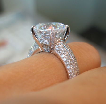 Now Thats A Ring Wedding Or Engagement Ring Love The Diamonds