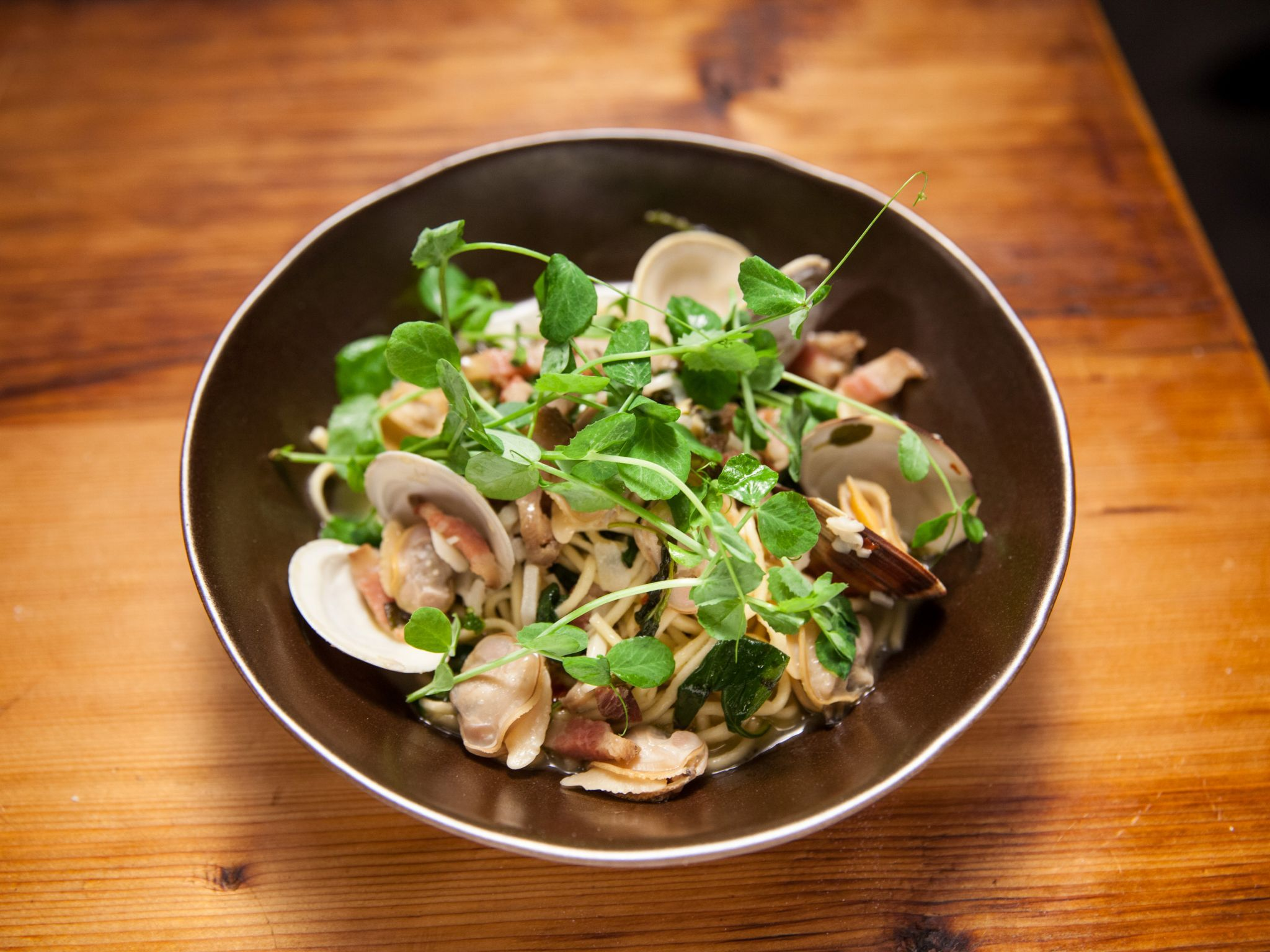 Linguine alla chitarra with clams guanciale and pea