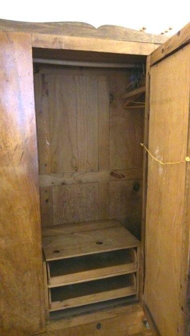 Restaurar un armario antiguo restaurado y reciclado de - Como restaurar muebles ...
