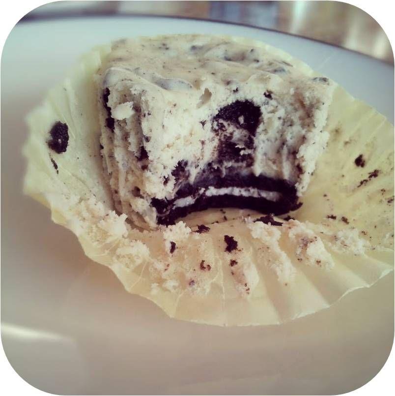 The Gregarious Glutton: Individual Oreo Cheesecakes