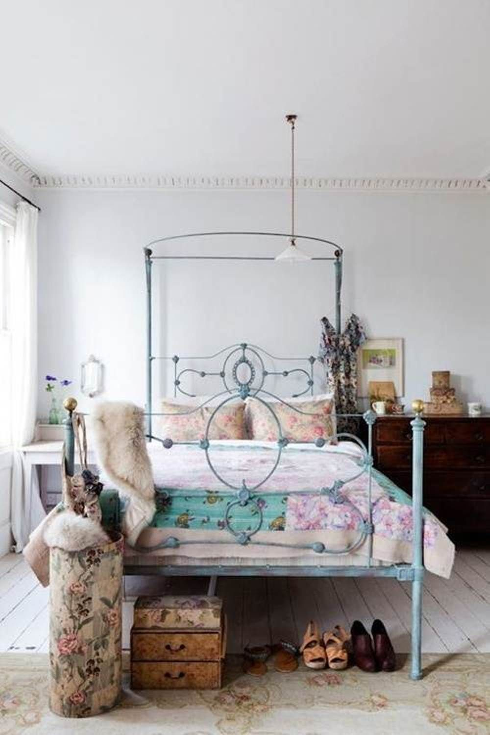eclectic bedroom decorating ideas for women   Old ...