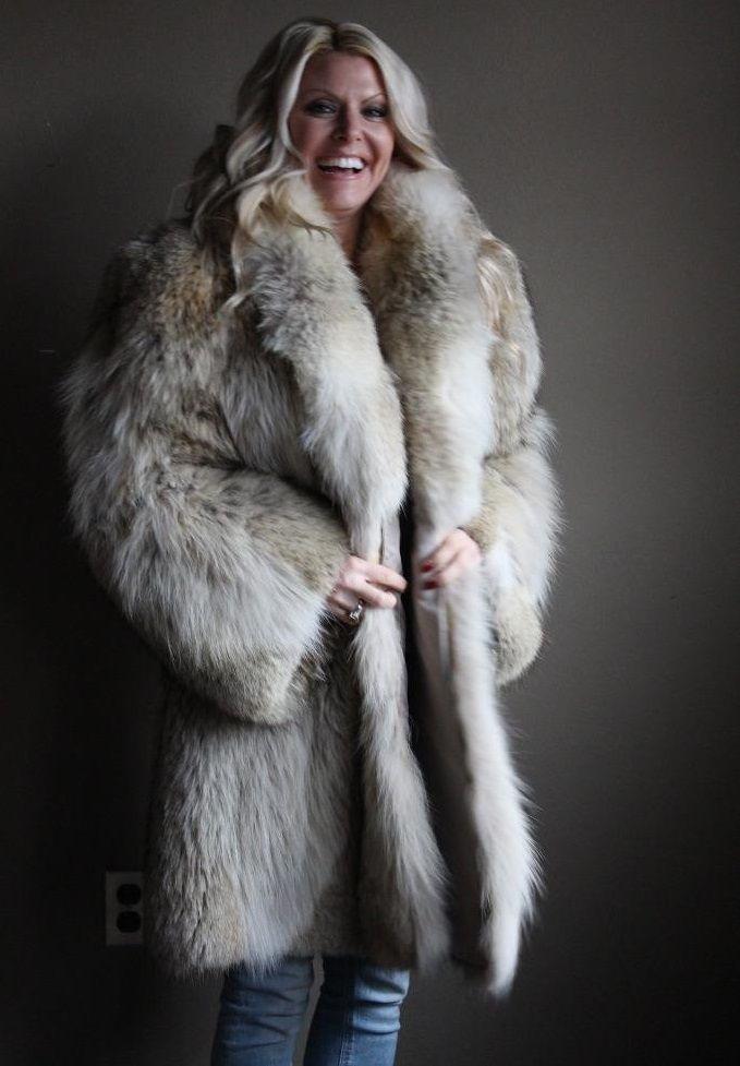 826ea50a1f3 Coyote fur coat   Fur in 2019   Coyote fur coat, White fur, Fur coat