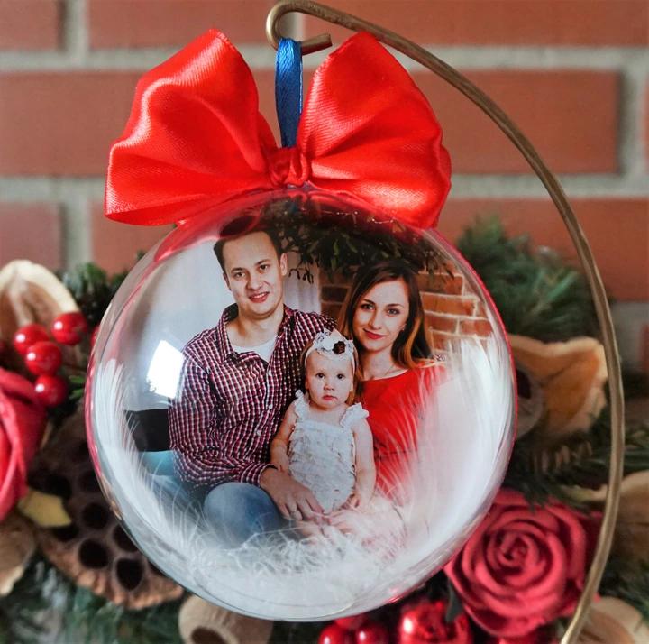 Bombka Ze Zdjeciem I Zyczeniami Prezent Stojak 8649709550 Allegro Pl Christmas Bulbs Christmas Ornaments Holiday Decor