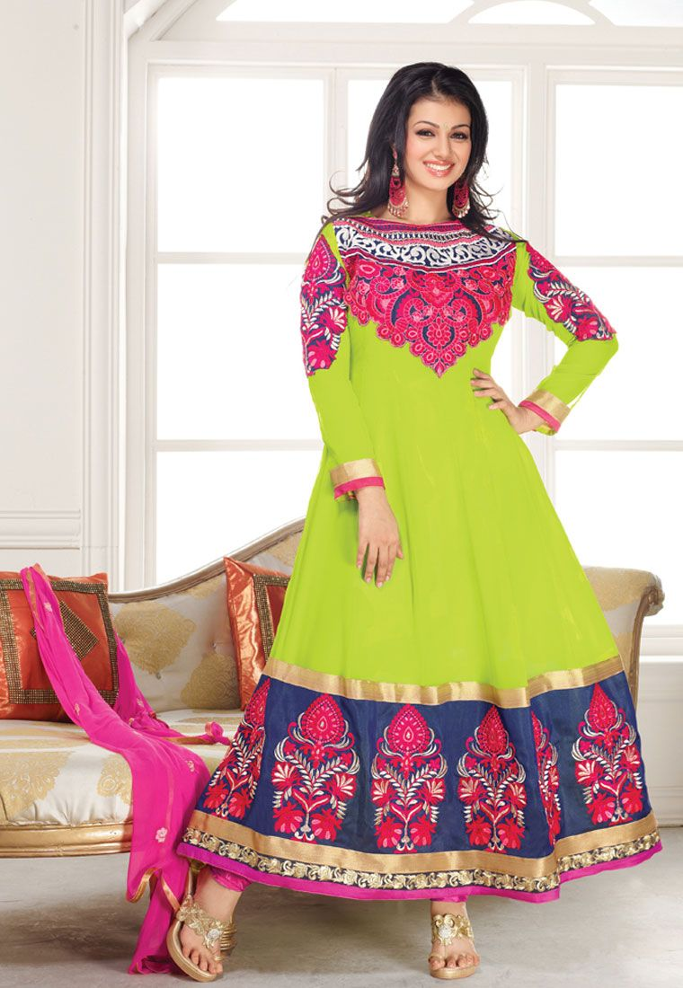 Green color the suit has patch embroidery u broad lace border work