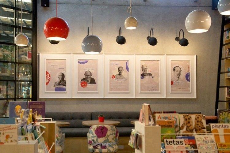 Die Deko im Café besitzt Retro-Flair   cafe buch   Pinterest ...