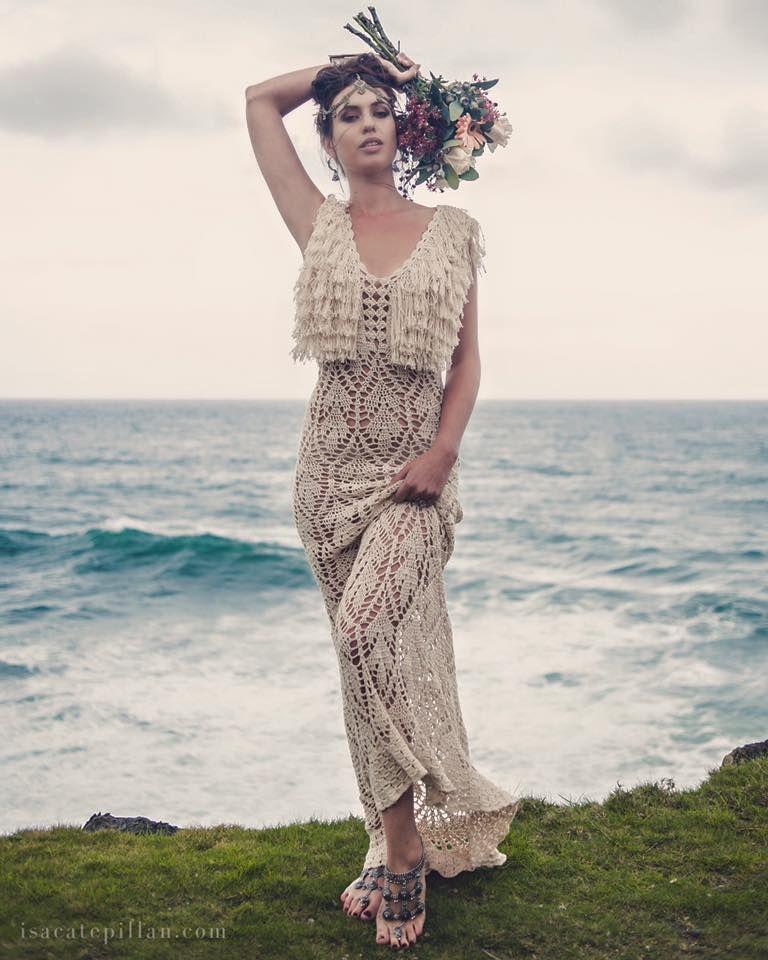 Handmade Crochet Wedding ~ Dress by Isa Catepillán ~ Photo: Michelle ...