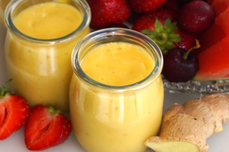 Smoothie med mango, citron och ingefära -