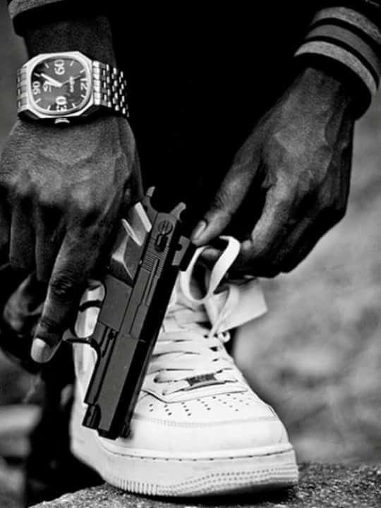 Картинки крутых пацанов с пистолетом