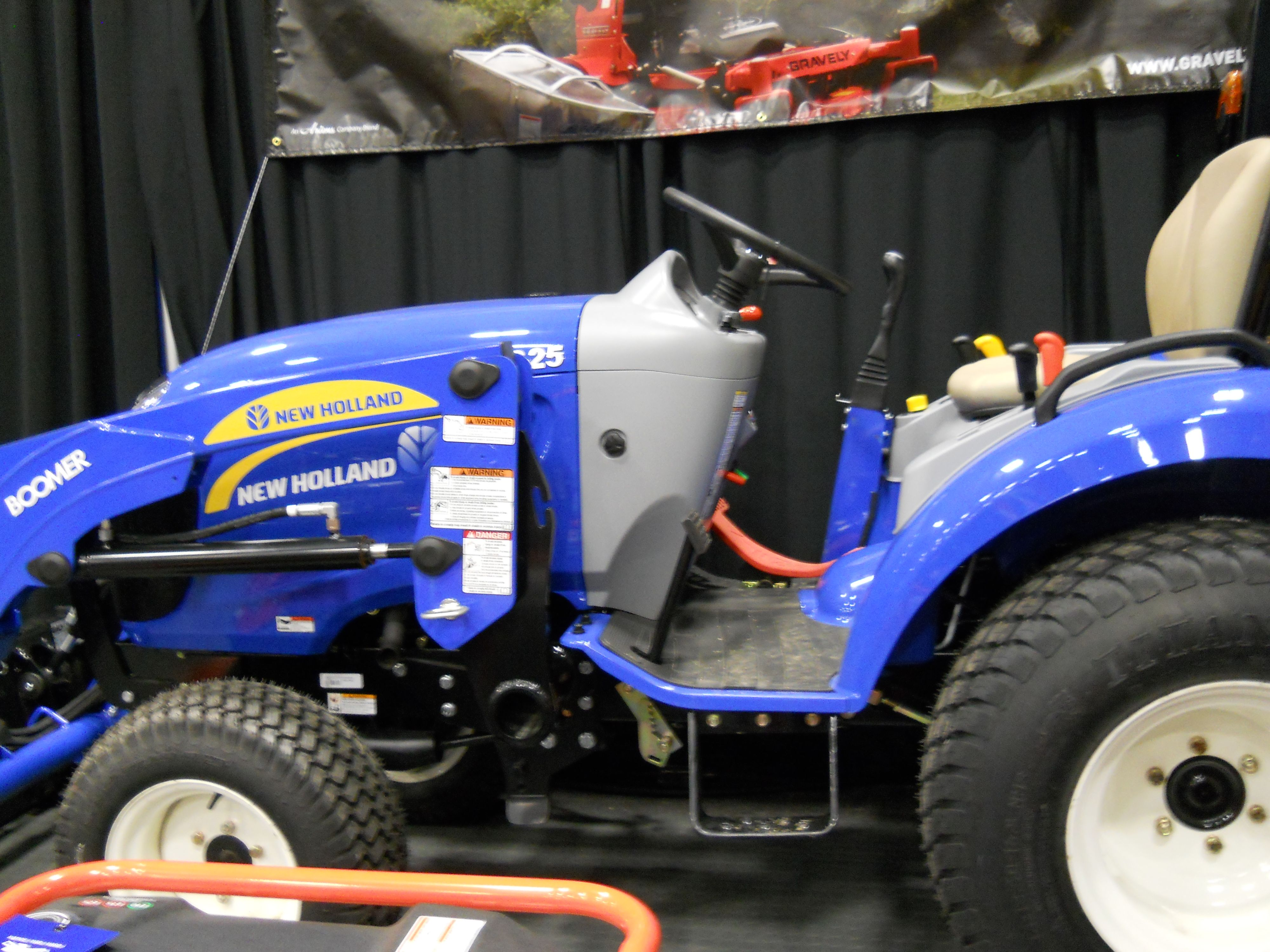 New Holland Tractor Https Www Youtube Com User Viewwithme New Holland Tractor Tractors New Holland